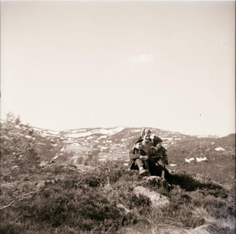 Fra speiderleiren på Fitjar 2008. T.v. Johanne Fangel